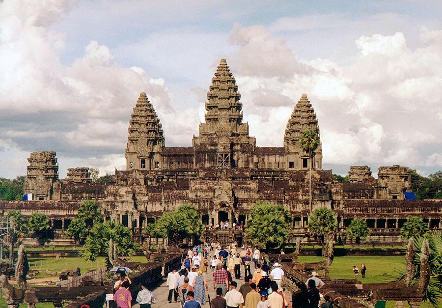 Angkor_Wat_W-Seite.jpg